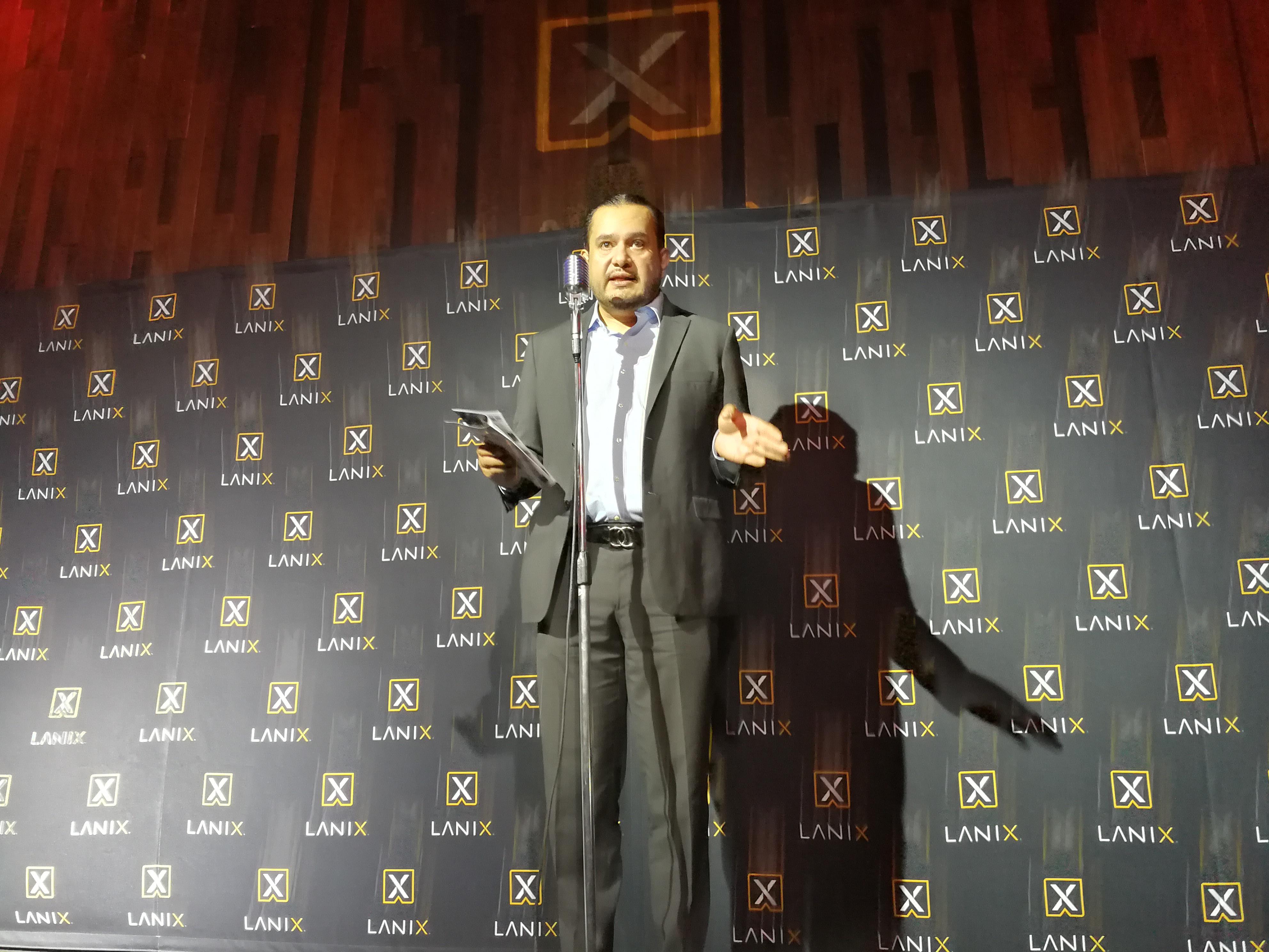 Gabriel González, Director Comercial de Lanix Mobile