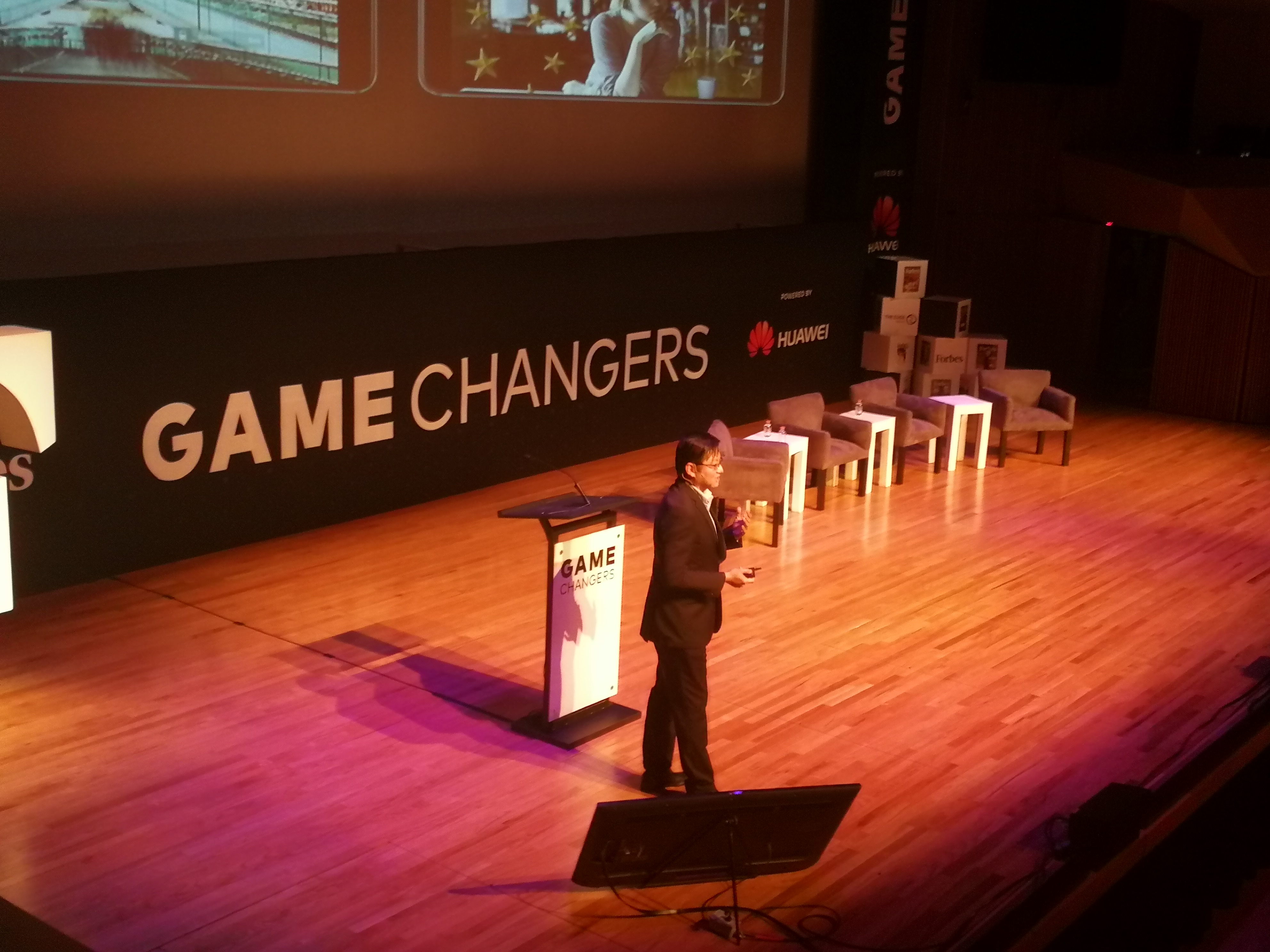 Hansheng Tan en su conferencia en el evento Game Changers de la Ciudad de México.